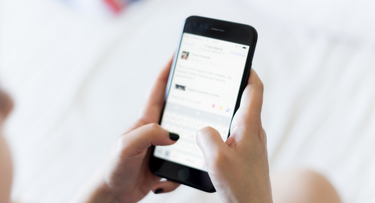 Aplikace Photomath na mobilním telefonu.